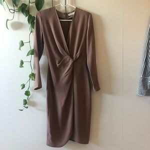 Aritzia front twisted dress size XS never worn.